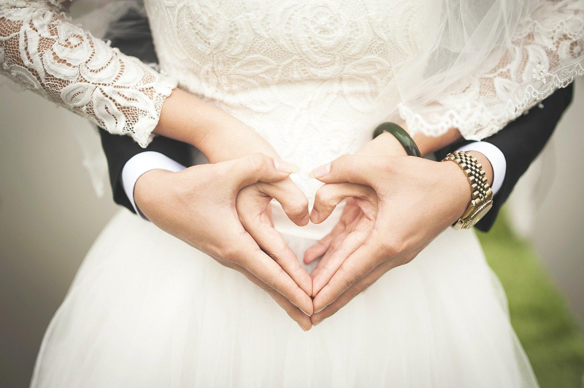 heart 529607 1920 Comment trouver un wedding planner à Lille ?